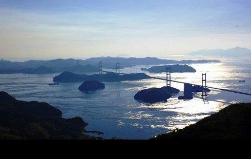 山本耕史が「瀬戸の島旅」をナビゲート、わざわざ行きたいスポットとは?