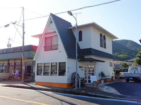 江田島 三高港 かふぇ渚 の外観