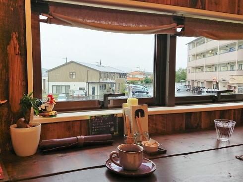 西条 n cafe カウンター席からの眺め
