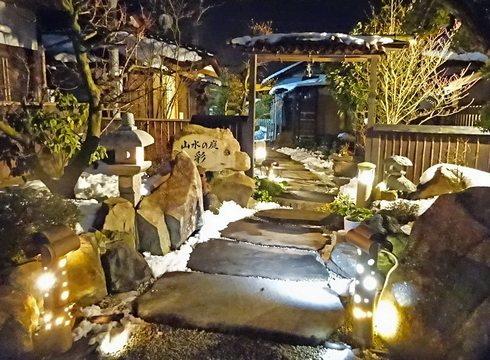 庄原ラ・アレーズ、小さな庭園フレンチで癒し時間