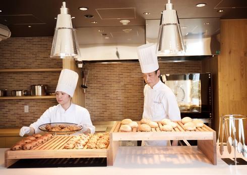 広島エアポートホテル「アチェロ」オープンキッチンに