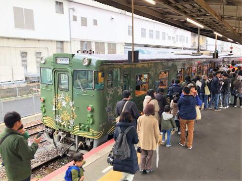 観光列車〇〇のはなし 列車の写真3
