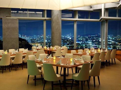 プリンスホテルのディナーブッフェ、最上階スカイラウンジへ