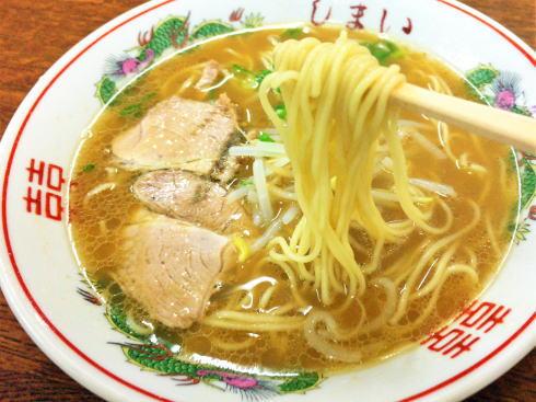 広島人に愛されるラーメン「とんこつ醤油」、尾道の「背脂醤油」と共に