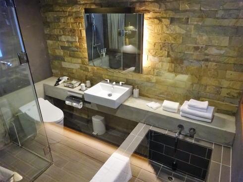 尾道U2、ホテルサイクル バスルーム