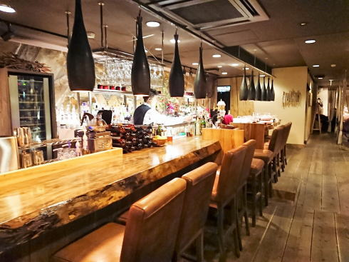 THE EARTH(ジ アース)東広島で夜カフェOKの リゾートカフェバー