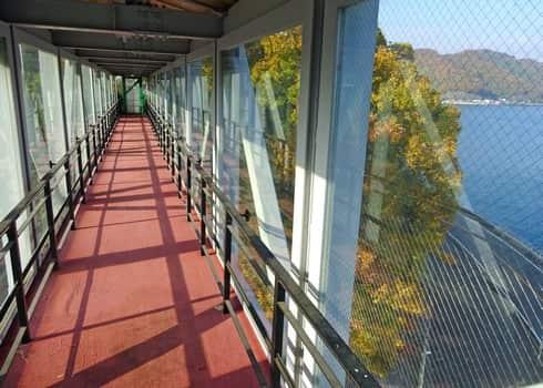 神峰山登山道に通じる連絡橋