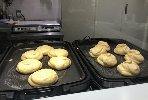 幸せのパンケーキはオープンキッチン