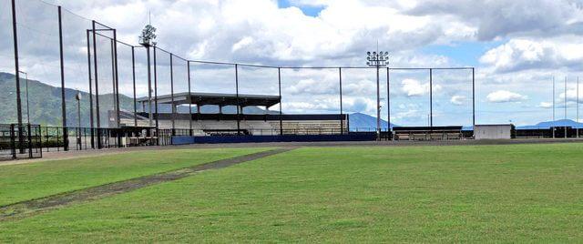 晴海臨海公園の野球場、ナイター設備あり