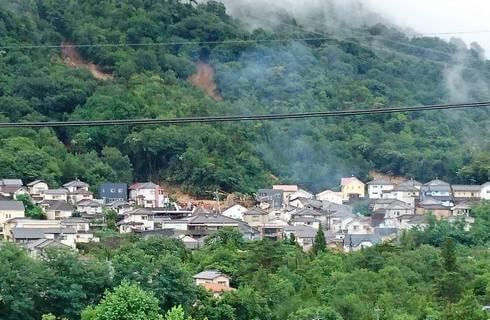 大雨被害、熊野町で土砂崩れ