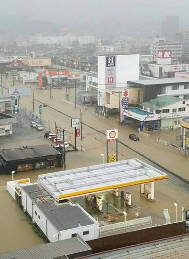 大雨被害、福山市 182号線付近
