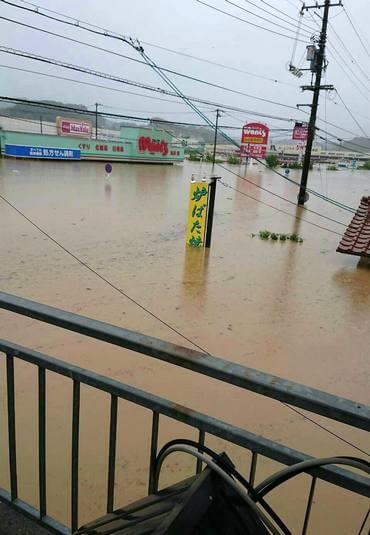 大雨で三原市本郷が冠水被害
