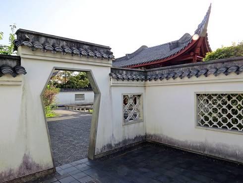 広島・中国式庭園の渝華園の塀