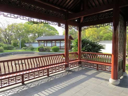 広島、中国式庭園・渝華園のベンチ