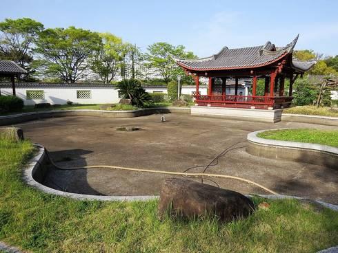 広島・中国式庭園の渝華園の池