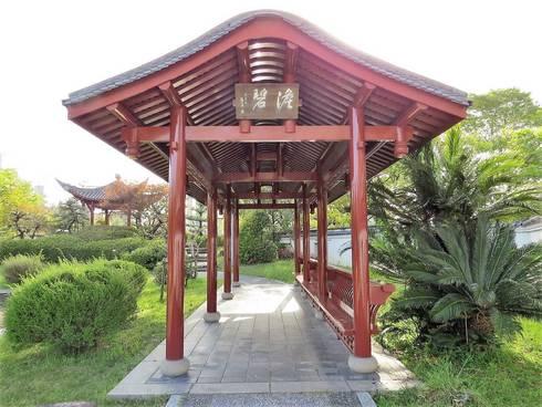 広島、中国式庭園・渝華園の回廊