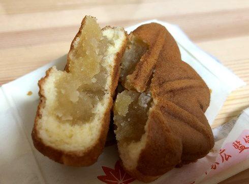 葵もみじ、徳川家の家紋がドーンっと入った、白あん勝栗入りもみじ饅頭