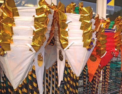 広島の盆灯籠、初盆は白い灯篭を飾る