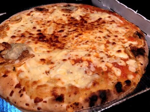 広島の自動販売機で買ったピザ・マルゲリータ