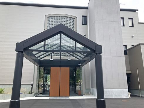 宮浜温泉の新ホテル IBUKU(イブク)入口