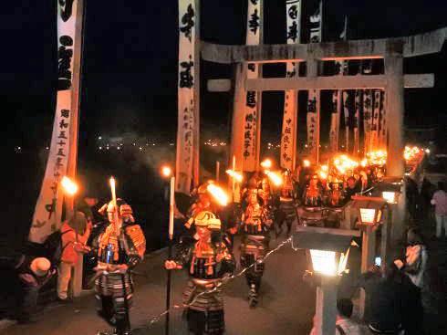 松明ロードに武者行列「乙九日炎の祭典」北広島で光と炎のまつり開催