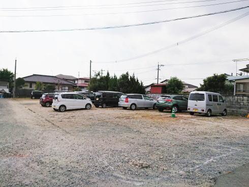 佐賀県鳥栖市 鮮魚店「金梅」駐車場