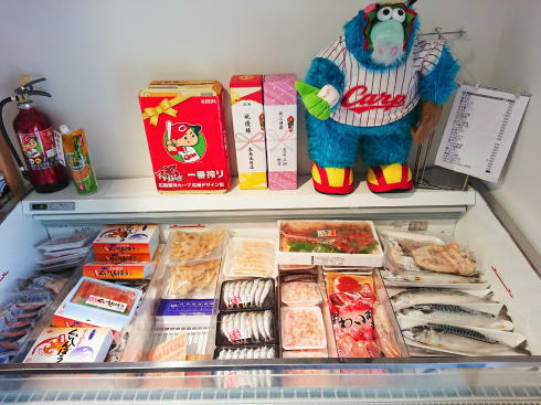 佐賀県鳥栖市 鮮魚店「金梅」店内の様子2