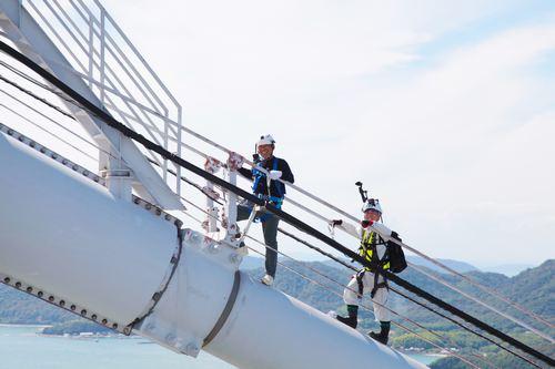 香川照之が瀬戸大橋の絶景ポイントを目指す