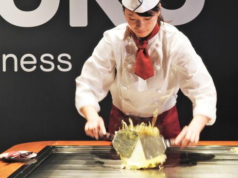 オコスタ、広島駅で「自分で焼いて食べる」お好み焼スタジオ