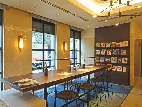 ザ ロイヤルパークホテル広島リバーサイド、ロビーにはソファなどが沢山