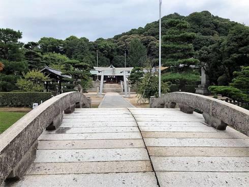 鶴羽根神社02