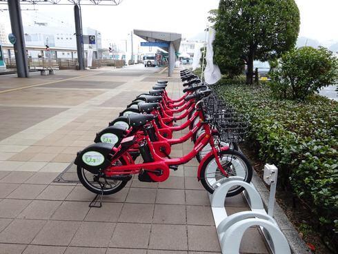 広島港前にもレンタサイクルぴーすくる。借りてフェリーで島に渡るのもいい