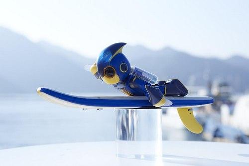 宮島までギネスに挑戦!「エボルタNEOくん」ミニロボットが単3電池2本で遠泳チャレンジ
