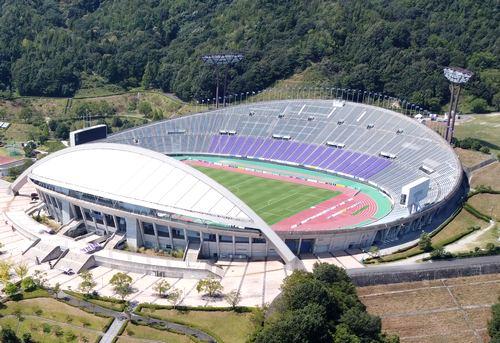 エディオンスタジアム広島(広島広域公園陸上競技場)
