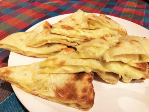 広島 ラージカレー チーズナン