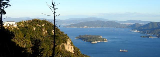 宮島・弥山の獅子岩展望台と周辺の風景