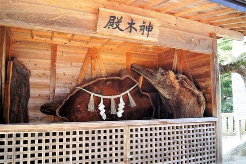 清神社の殿木神