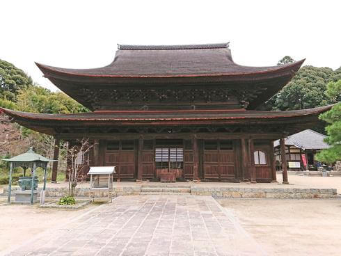 不動院(安芸安国寺)年末は除夜の鐘、年始は開扉で国宝・金堂の参拝も