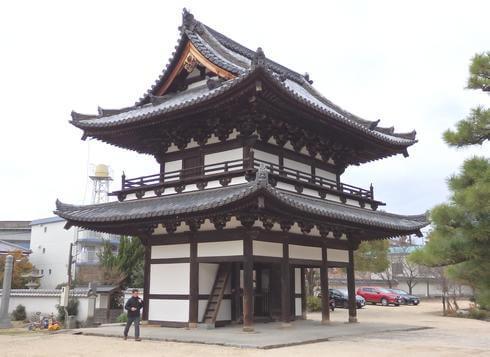 不動院(安芸安国寺)楼門の裏側