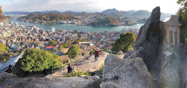 尾道 くさり山(石鎚山)頂上からの景色