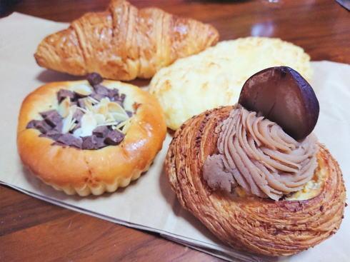 ブーランジェリー・ラパン寺家店のパンたち