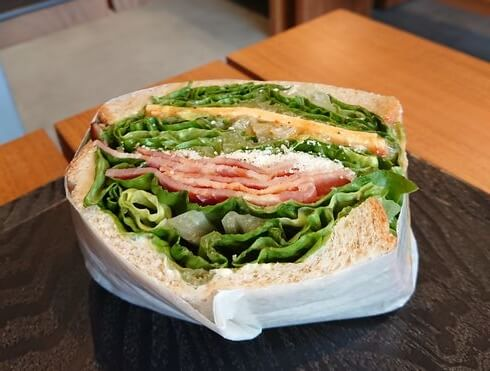 パークサウスサンドイッチのシーザーサラダ