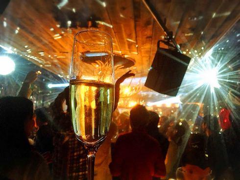 広島最大級のカウントダウン「ウルトラカウントダウンパーティー」2000人で乾杯
