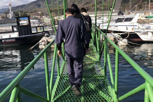 毛利丸、塩屋漁港から出発