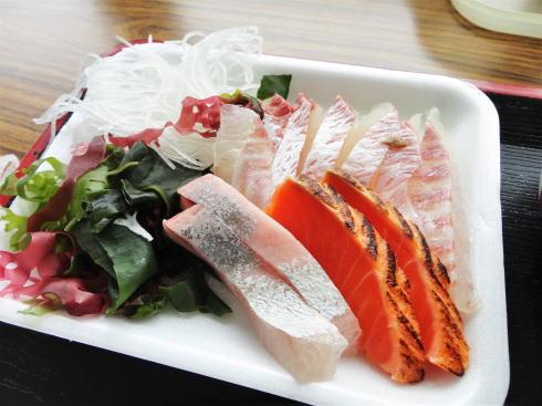 海辺の新鮮市場、刺身が人気の江田島の食堂リニューアル