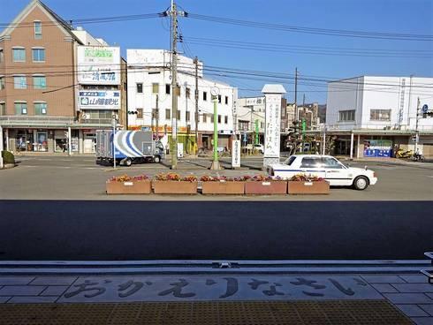 JR竹原駅、駅前の風景