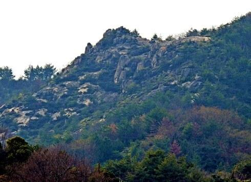 倉橋島からみた、江田島(能美島)の天狗岩