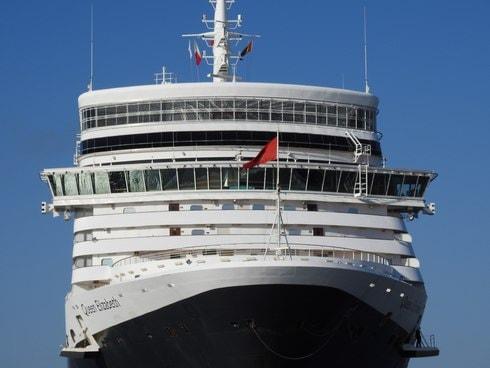 広島・五日市港に客船「クイーンエリザベス」埠頭の一般開放も