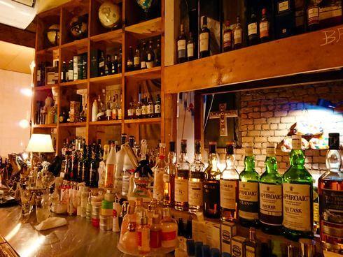 広島のバー、ブルックリン店内の様子