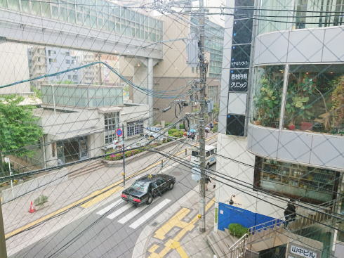 広島市中区袋町 カフェマルティッド から見た外の景色